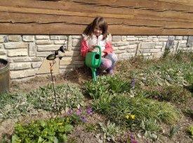 liduska-na-zahradce